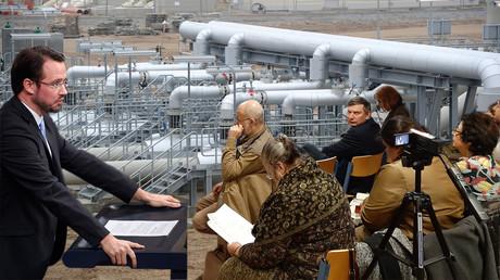 Links im Bild: der Koordinator der Bundesregierung für Russland Dirk Wiese; erste Reihe von links: Ex-Dissident Alexander Skobow, der Vorsitzende des Forums
