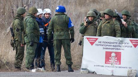 OSZE-Beobachter überwachen den Abzug von Soldaten der