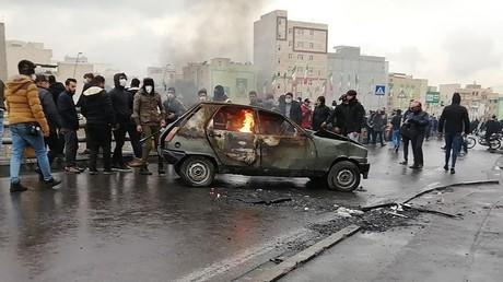 Proteste im Iran: Behörden begrenzen Internetzugang, Parlament kommt zu Sondersitzung zusammen