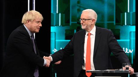 Premierminister Boris Johnson und sein Herausforderer Jeremy Corbyn kurz vor dem TV-Duell am 19. November 2019.