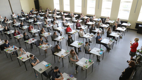 Abiturprüfung, Rostock, Deutschland, 20. April 2018.