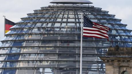 Flagge der US-Botschaft Berlin, Deutschland, 28. Oktober 2013.