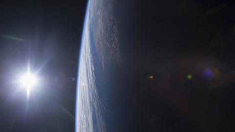 Blick aus der Internationalen Raumstation ISS auf den Golf von Mexiko bei Sonnenuntergang, 14. Dezember 2014.