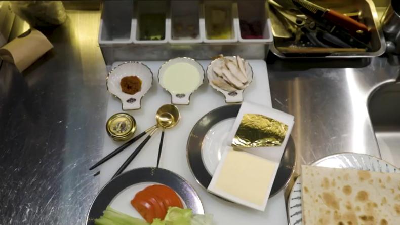 Alles, was teuer ist. Das Restaurant in Sankt Petersburg serviert Schawarma mit Gold