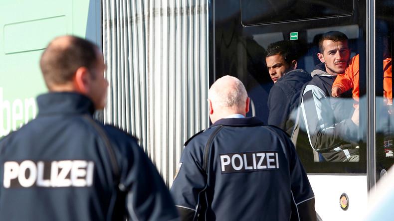 Kaum im Flieger schon wieder zurück in Deutschland: 28.000 Personen mehrmals abgeschoben
