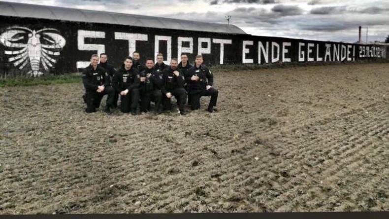 Rechtes Graffito aufgetaucht: Neuer Ärger für neun Polizisten aus Brandenburg
