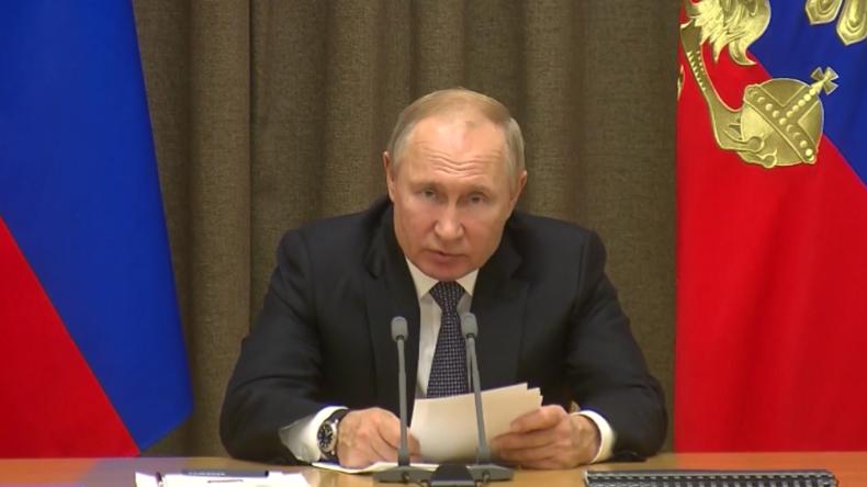 """Putin: USA """"betrachten den Weltraum ganz offen als Kriegsschauplatz und planen bereits Operationen"""""""