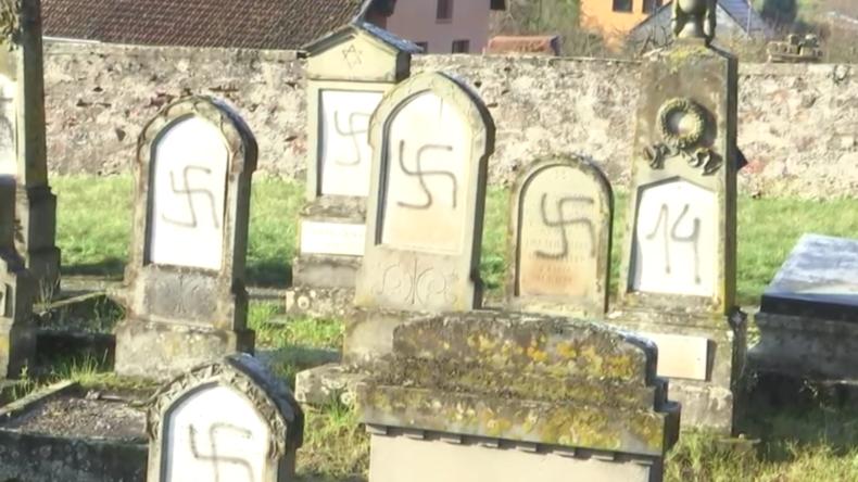 Frankreich: Über 100 jüdische Gräber mit Hakenkreuzen beschmiert