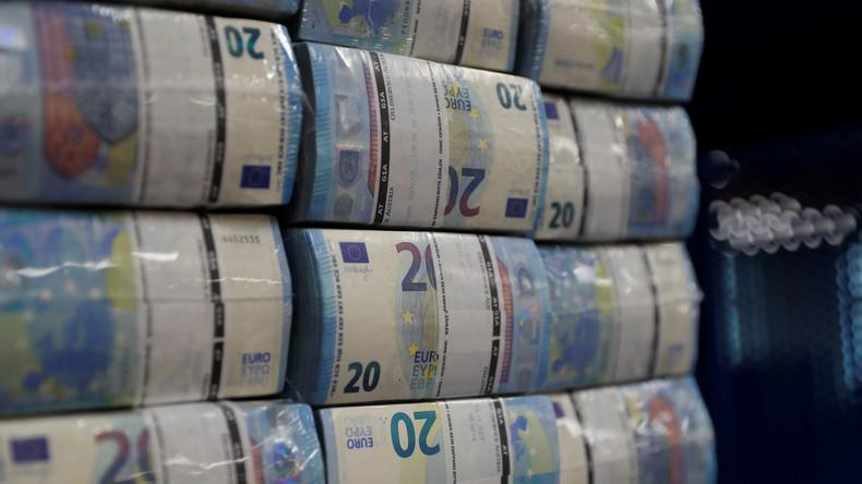 EU und Neoliberalismus: Geld ist im Überfluss da – es will nur niemand haben