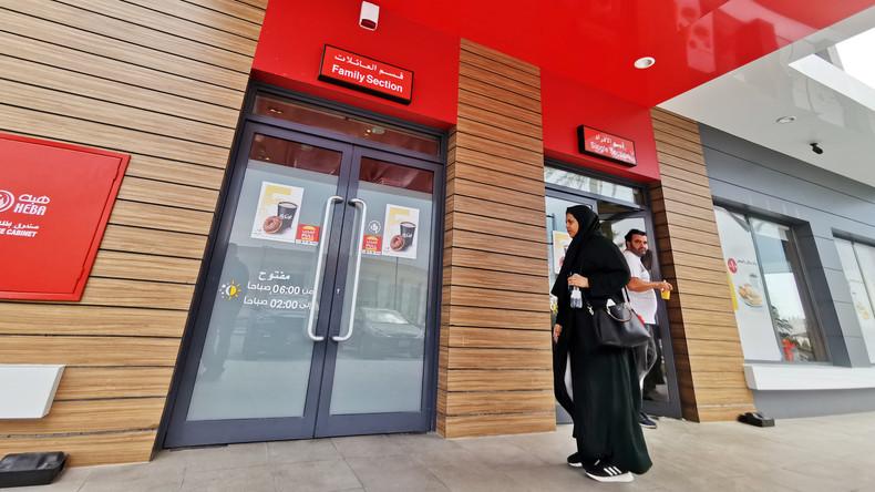 Saudi-Arabien beendet Geschlechtertrennung in Restaurants und Cafés