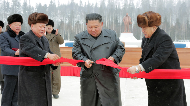 Urlaub in Nordkorea – Staatsoberhaupt Kim eröffnet Luxusresort Samjiyon (Video)