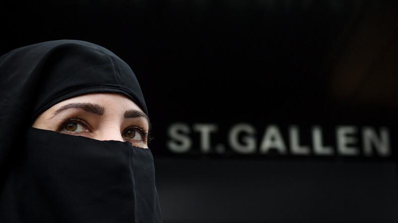 Minarette nein, Rial ja: Die speziellen Beziehungen zwischen der Schweiz und Saudi-Arabien