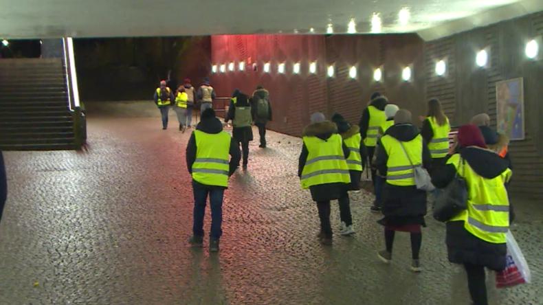 Schweden: Mütter patrouillieren nachts gegen Bandenkriminalität in Problemviertel