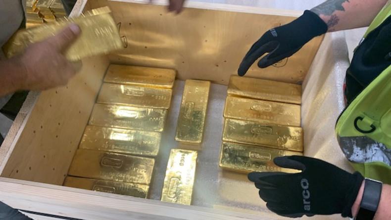Goldman Sachs: Zentralbanken kaufen weltweit massiv Gold an, um sich vom Dollar zu lösen