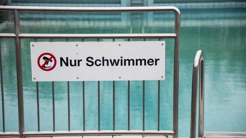 Schwimmbad-Sterben: Immer mehr Kinder in Deutschland können nicht schwimmen (Video)