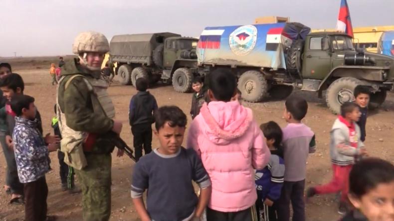 Syrien: Nach IS-Herrschaft und US-Angriffen – Russisches Militär erstmals in Rakka