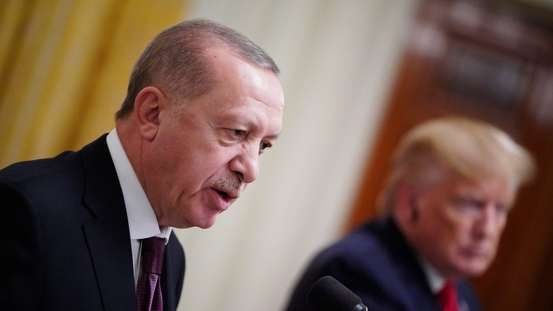 Erdoğan gräbt Kriegsbeil aus: Türkei droht mit Anerkennung des Völkermords an Ureinwohnern der USA