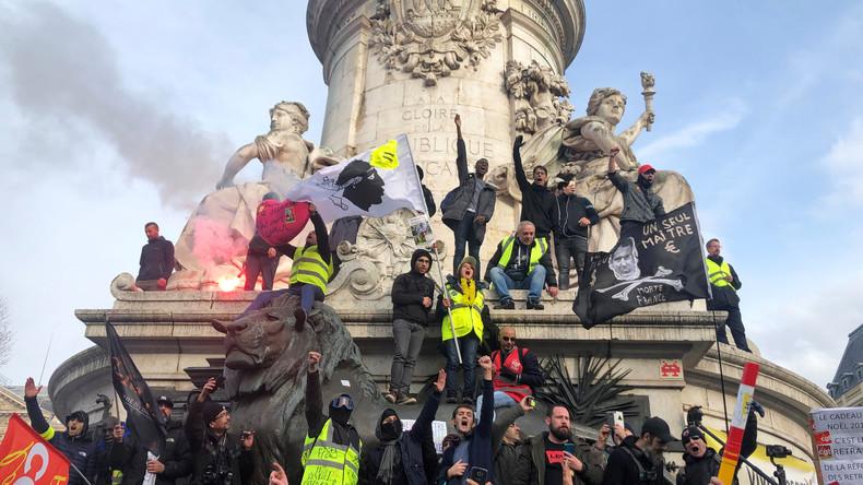 Explosive Stimmung in Frankreich: Proteste gegen Rentenreform reißen nicht ab (Video)