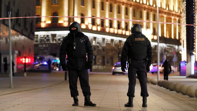 Schüsse im Zentrum von Moskau – Berichte über Tote - Täter außer Gefecht gesetzt