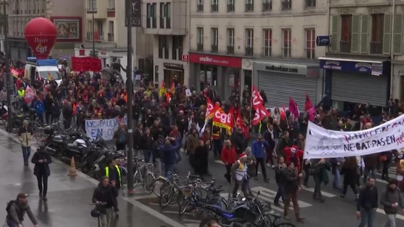 """Franzosen streiken und protestieren weiter: """"Macron wird irgendwann aufgeben müssen"""""""
