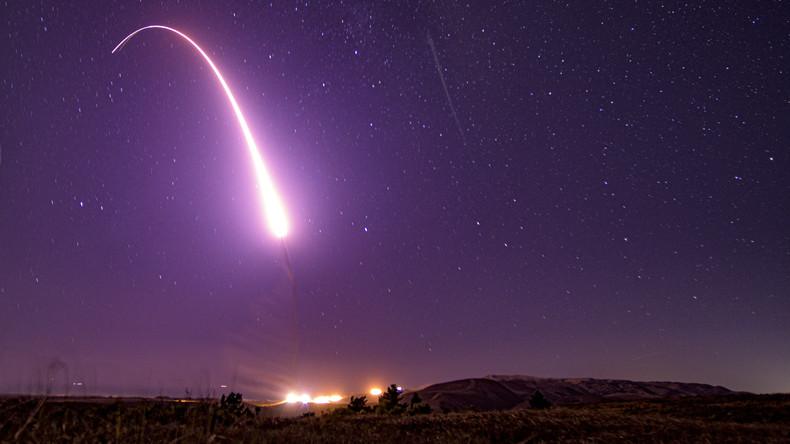 """Donald Trump ruft """"Space Force"""" als neue US-Teilstreitkraft ins Leben"""