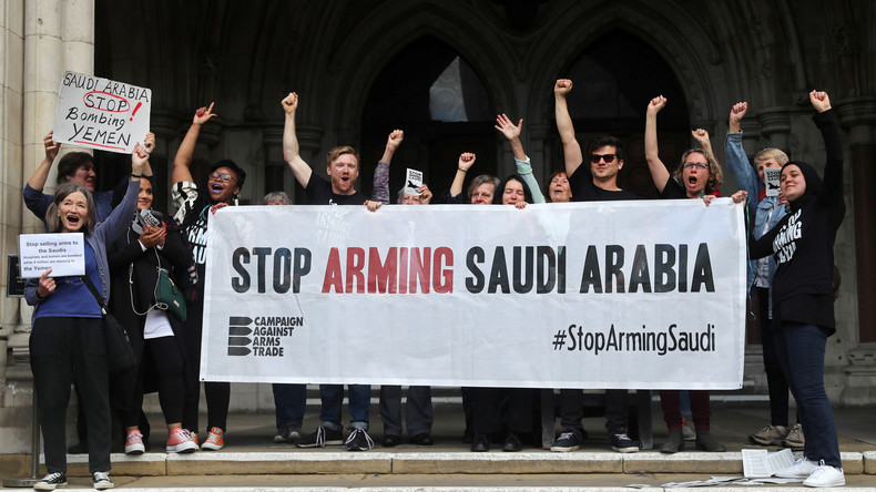 Papier ist geduldig: Britische Rüstungsexporte an Saudi-Arabien steigen trotz Abkommen (Video)
