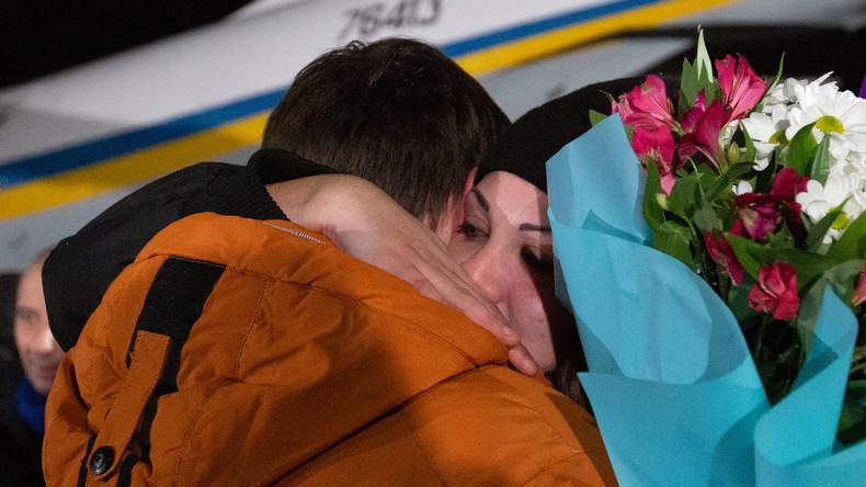Ukraine: 76 Ukrainer kehren nach Gefangenenaustausch mit Donbass nach Kiew zurück
