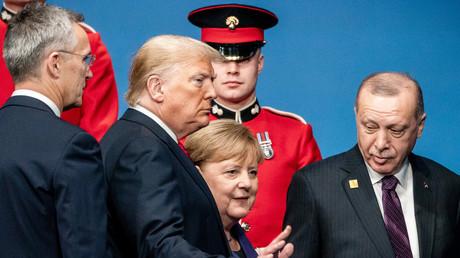 NATO-Generalsekretär Jens Stoltenberg, US-Präsident Donald Trump, Bundeskanzlerin Angela Merkel und türkischer Präsident Recep Tayyip Erdoğan (v.l.) am 4.12.2019 beim NATO-Treffen in London.