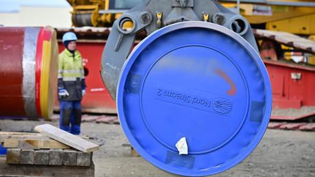 Arbeiten an der Erdgas-Pipeline Nord Stream 2 zwischen Russland und Deutschland, deren Fertigstellung die USA auf den letzten Metern mittels Sanktionen gegen beteiligte Unternehmen verhindern wollen.