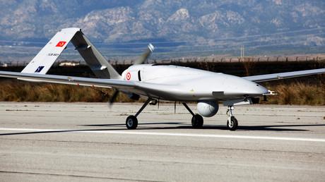 Eine türkische Bayraktar-TB2-Drohne landete am 16. Dezember auf dem nordzypriotischen Flughafen Geçitkale.