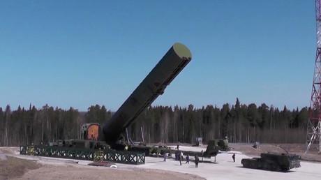 Die russische Interkontinentalrakete RS-28 Sarmat wird für einen Test vorbereitet (Bild vom 19.07.18). Die Sarmat gehört zu den furchterregendsten Nuklearwaffen der Welt.