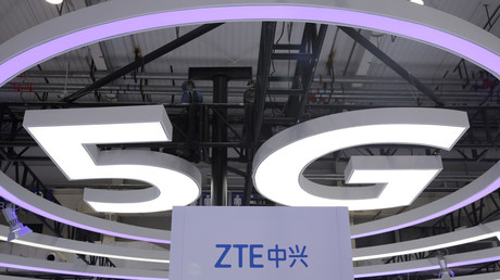 ZTE-Logo und 5G bei der Weltausstellung in Peking, China, 22. November 2019