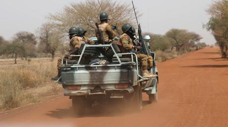Soldaten der Armee von Burkina Faso patroullieren in der Sahelregion.
