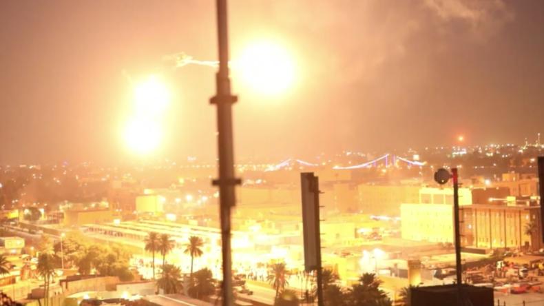 Nach gewaltsamen Anti-US-Protesten: Apache-Hubschrauber kreisen über US-Botschaft in Bagdad
