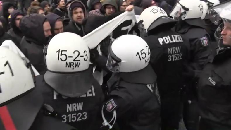 """Deutschland: Raufereien bei Protesten gegen """"Umweltsau""""-Lied"""
