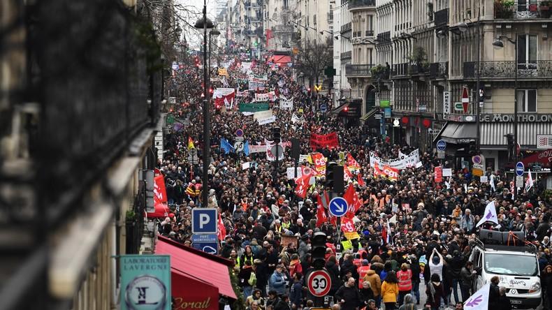 Große Beteiligung an Rentenprotesten gegen französische Regierung – Marine Le Pen im Aufwind