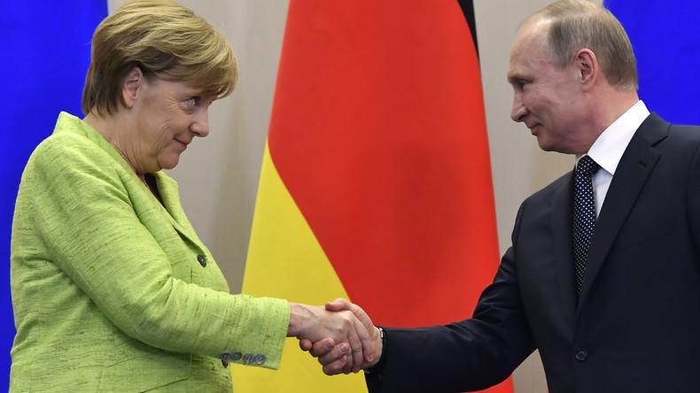 Angela Merkel und Wladimir Putin geben Pressekonferenz in Moskau (mit Simultanübersetzung)