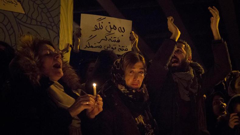 Iran: Polizeisetzt Tränengasbei Anti-Regierungs-Protesten in Teheran ein