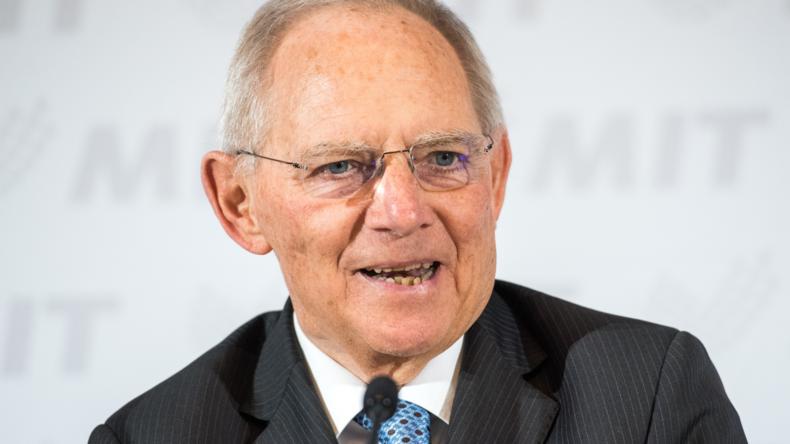 Wolfgang Schäuble: Zu hohe Sozialleistungen machen unglücklich