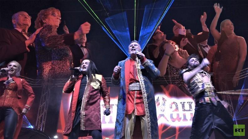 """Auch in Kiew rasten die Leute bei """"Moskau"""" aus – Kultband Dschinghis Khan auf dem Presseball Berlin"""