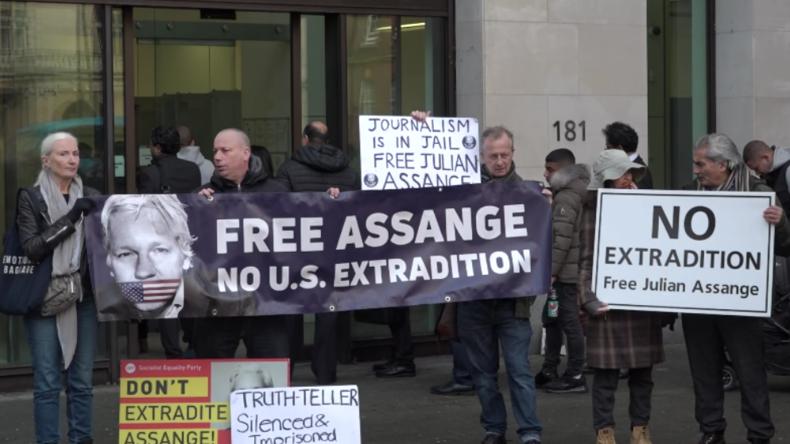 London: Assange-Anhänger protestieren für Freilassung – Beobachter kritisieren Gerichtsverlauf