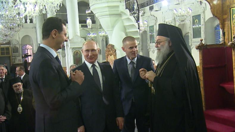 """Putin und Assad scherzen: """"Trump sollte hier in die Kirche kommen, dann wird er ein besserer Mensch"""""""