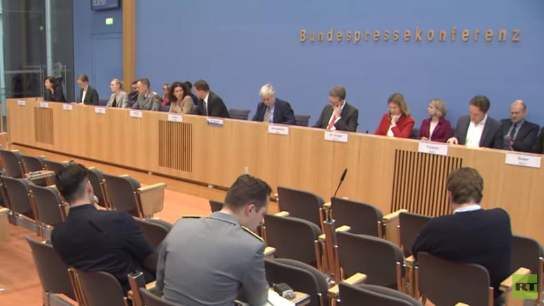 Gesetzentwurf von CDU und SPD: Bis zu zwei Jahre Haft für Verbrennen ausländischer Flaggen
