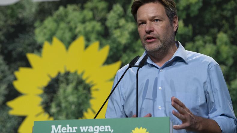 """Artgerechte Tierhaltung finanzieren: Grünen-Chef Habeck regt Einführung von """"Tierschutzcent"""" an"""