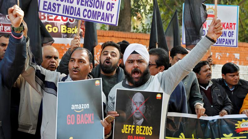 """Inder protestieren gegen Expansionspläne von Amazon und nennen CEO """"Wirtschaftsterrorist"""""""