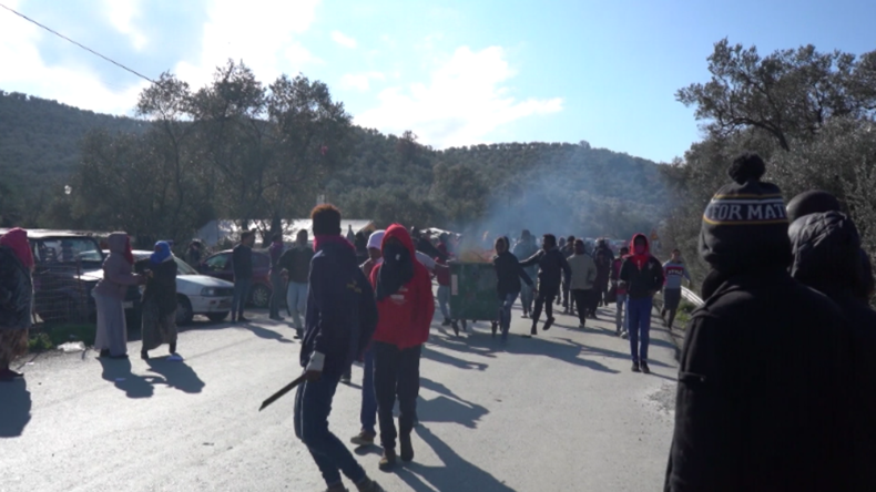 Ausschreitungen nach tödlichen Messerstichen in Skandal-Flüchtlingslager Moria
