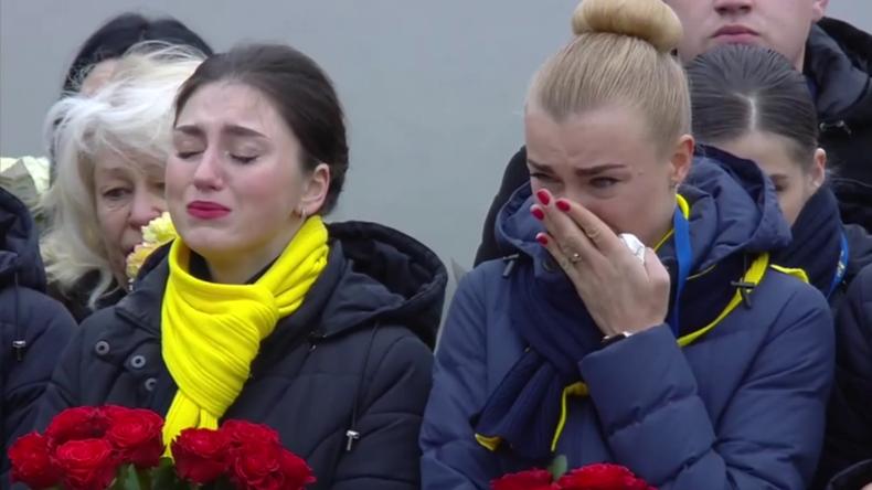 Ukraine: Sterbliche Überreste ukrainischer Opfer von Flug PS752 treffen in Kiew ein