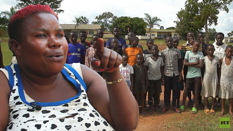RT-Doku: Die wohl fruchtbarste Frau Ugandas hat 38 Kinder