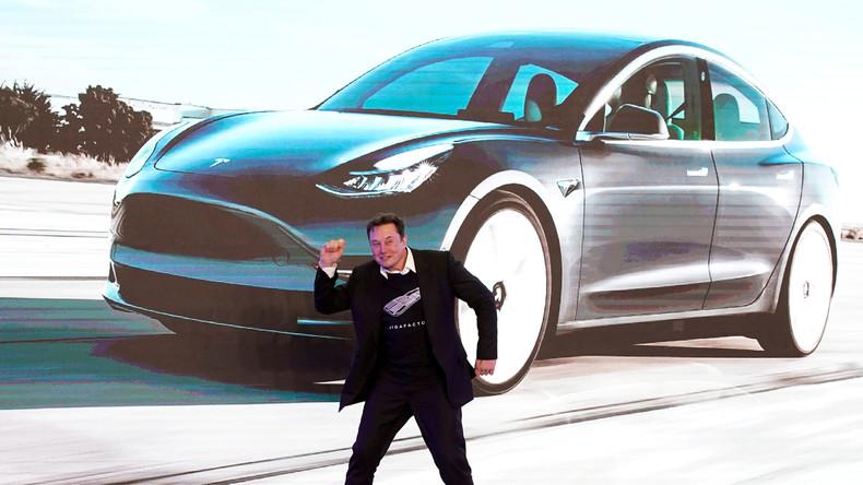 Trotz sinkender Einnahmen: Tesla wird nach Marktkapitalisierung größter Autobauer der US-Geschichte
