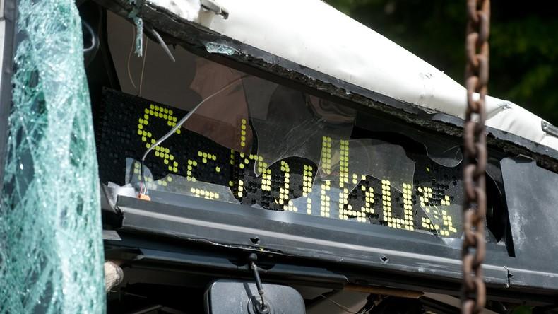 Thüringen: Zwei Kinder bei schwerem Schulbusunfall getötet